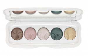 ess_little_x-mas_factory_eyeshadow_palette_opend