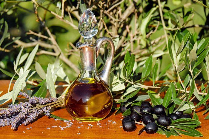 Olio d'Oliva, dieta e benefici per la salute: lo studio della biologa Bolognesi
