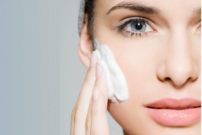 Uriage: come scegliere il giusto detergente viso
