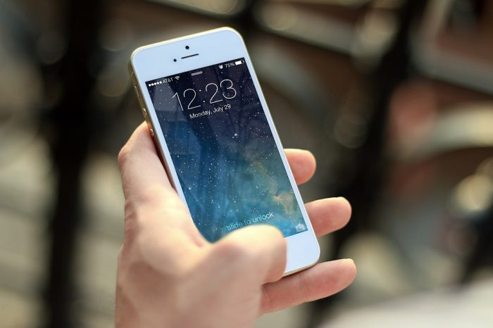 Generazione 3.0: paradossi digitali