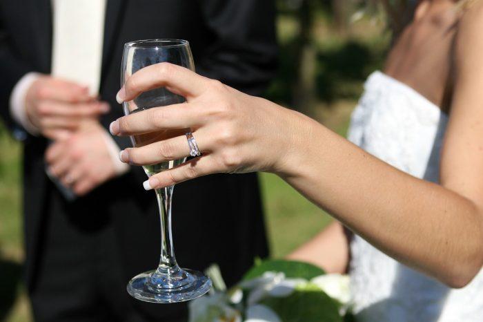 """""""Sì lo voglio"""": sempre più sposi ricorrono alla chirurgia prima del matrimonio"""